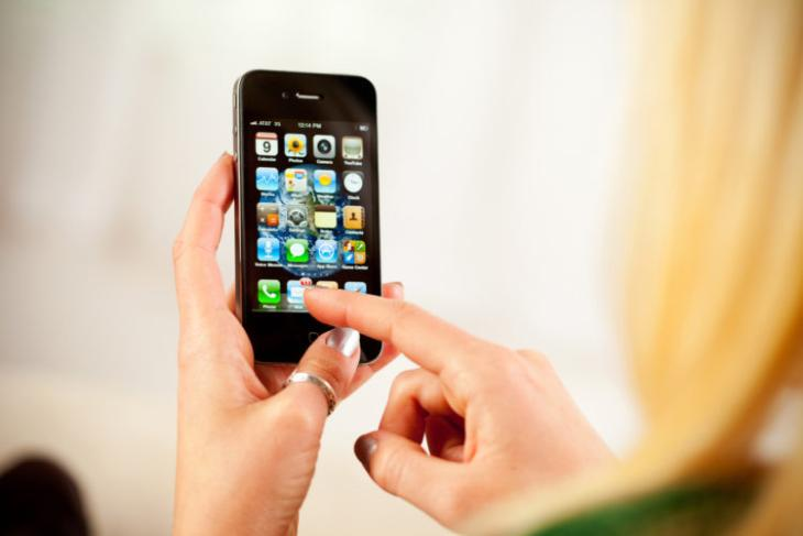 Apple-Was-Once-Working-on-an-iPhone-nano-Confirms-Old-Steve-Jobs-Email