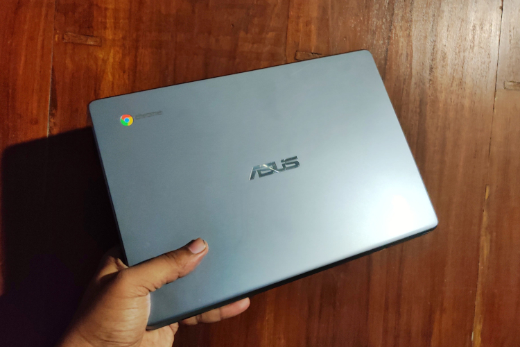 Asus Chromebook C223 Review: A Compact & Affordable Laptop for Students