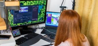 58-Year-Old Mother of an Esports Professional Gets Hired as a Fortnite Content Creator