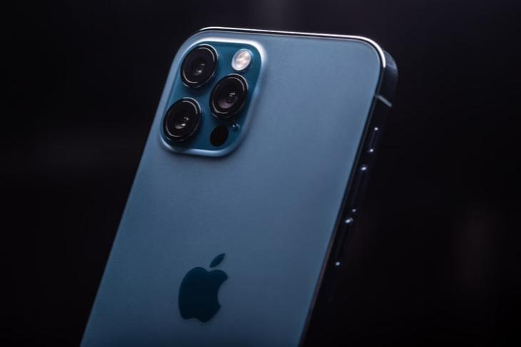 Apple Discontinues iPhone 12 Pro Line, iPhone XR Following iPhone 13 Launch
