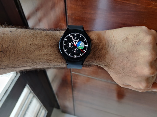 Front-View-Hand-watch-4