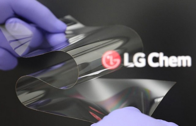 LG Unveils New PET-Coated Cover Material to Improve the Durability of Future Foldable Displays